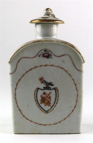 Chinese Export Porcelain Tea Caddy with Cover